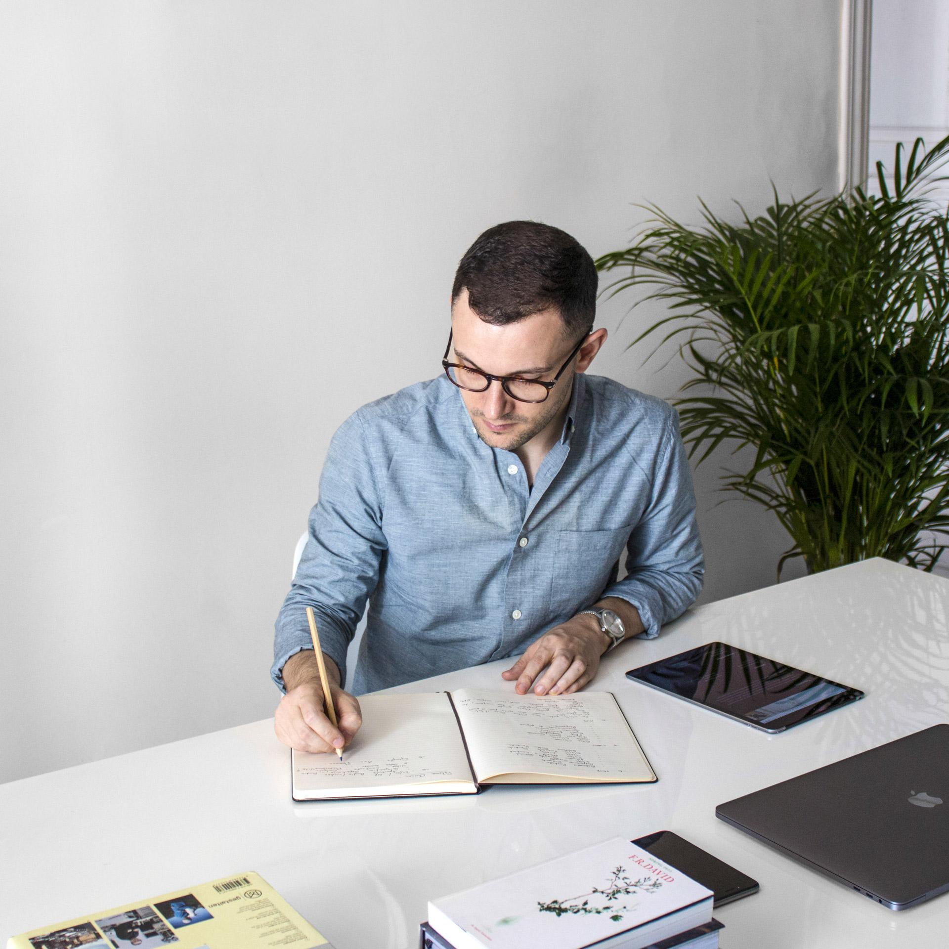 Estudio MUI - Estudio de diseño gráfico, Branding y diseño web, diseño editorial, print, desarrollo web, programación, identidad corporativa, creación de marcas, naming